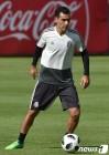 F조 '잡음 줄여라'…월드컵 전부터 훈련복-SNS 등 신경