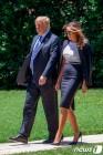백악관의 트럼프와 멜라니아 여사
