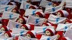 시민과 가까이, 한국팀 단독 응원도…달라진 북한 응원단