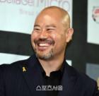 """[포토]맥스FC 12번째 대회를 축하하는 배우 금광산, """"잘 생겼죠"""""""