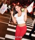 레깅스로 시선을 압도하는 '월드컵 미녀' 신새롬, '대한민국, 파이팅'