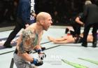 [UFC] 26살 데뷔한 늦깎이, 6년 만에 옥타곤 정상 노크