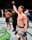 "[UFC 경기 영상] 볼코프, 베우둠에게 KO승…""올가을 러시아에서 타이틀전"""