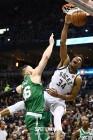 [NBA PO] '2연패 뒤 첫 승' 밀워키, 보스턴 116-92로 대파