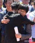 민노총, 민주당 비난하며 '국회 농성'…한상균 환영식도 연기