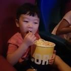 이동국 자녀 설수대, 영화관으로 피서간 사랑둥이들