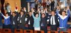잔칫집 민주당·초상집 한국당·새 식구 12명