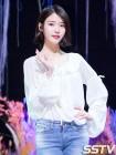 아이유, 5월 여자 광고모델 브랜드평판 1위…김연아·AOA 설현·손예진·레드벨벳 아이린 TOP5