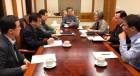 문재인 대통령 '북미 중재자' 역할론 부상