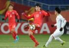 [U-23 챔피언십]파넨카킥 실축한 윤승원… 베트남 골키퍼 품에 그대로 골인
