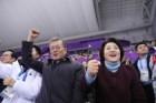 """문재인 대통령, 쇼트트랙 여자 대표팀에 축전 """"단합된 힘으로 국민에게 큰 감동 줬다"""""""