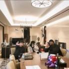 """래퍼 딘딘, 도끼 130평 럭셔리 호텔 하우스서 인증샷 '찰칵'… """"딘딘 장래희망: 도끼"""""""