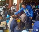 '부처님오신날, 불심 잡기에 여념 없는 후보들