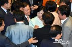 호남 중진들 설득 먹혔다…국민의당 30여명 찬성 배경'反 문재인'으로 비치는 것에 대한 부담…정국 주도권 쥐려는 계산도 작용