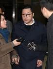 """검찰, MB 아들 이시형 다스 전무 16시간 조사 뒤 귀가…""""조사 성실하게 받아"""""""