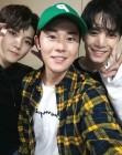 """김동준, 뉴이스트W JR·렌과 훈훈한 의리 뿜뿜 """"콘서트 잘했어"""""""