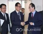 [포토] 송하진 지사, 한국GM 군산공장 정상화 관련 기획재정부 방문