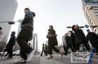 [날씨] 오늘날씨, 22일 꽃샘추위 기승 체감온도 더 떨어져…서울 아침 '1도'
