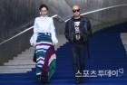 [ST포토] 박영선-홍석천 '느낌으로 꽉찬 발걸음'