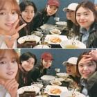 """'변혁의 사랑' 강소라, '써니' 멤버들과 우정 과시 """"7시간이 모자라"""""""