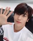 [근황] '슈츠' 박형식, 오랜만의 셀카 공개 '업데이트가 시급합니다'