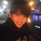 김민석, 여전히 훈훈한 비주얼 과시…'시선집중'