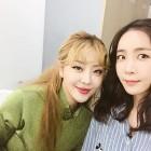 """[근황] 작사가 김이나, 나르샤와 함께한 일상 공개 """"꿀조합이네요"""""""