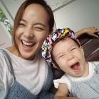 """[근황] 기태영, 유진-딸 로희와 함께…""""내 사랑들♥'"""