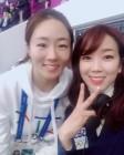 'SBS 쇼트트랙' 조해리 해설위원, 이상화 선수와 다정한 투샷…보기 좋은 선후배사이