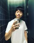 """[근황] 2PM 준호, 화장실 셀카 대공개…""""셀카의 핫스팟은 화장실이죠"""""""