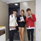 '프로듀스 101' 황인선, '프듀2' 후배와 '띠동갑' 나이차가 무색한 비주얼 화제