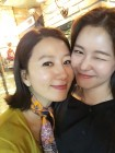 """경수진,김희애 응원 왔다 미모 배틀 """"둘다 예뻐 무승부"""""""