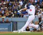 다저스, '범가너 킬러' 에르난데스 투런 홈런… 5연승 질주