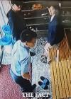 "[TF단독 이장면⑤] CCTV 속 안철수 대표, ""이런 모습 처음이야!"""