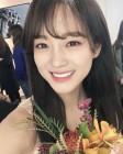 """구구단 세정, 상 받고 활짝 핀 꽃미소… """"누가 되지 않는 배우 될 것"""""""