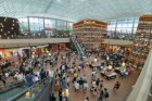 코엑스몰 살린 별마당도서관, 1년 만에 2100만 명 방문