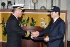 염태영 수원시장, 평택 해군2함대 을지문덕함 명예함장 위촉장 받아