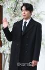 정용화, 이번에는 '경희대 대학원 아이돌' 논란… '1박2일' 출연분·'토크몬'·단독 콘서트 어쩌나
