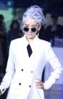 배우 윤송아, MR.L,D미스터.리,디 패션쇼 메인모델로 런웨이 무대 올라... 하얀백발 파격변신 '강렬포스'