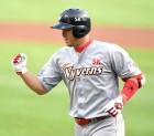 '30홈런 선착' 최정의 홈런 레이스가 더 주목되는 3가지 이유