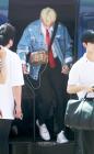워너원(Wanna One) 라이관린, '차에서 내리는 모습도 겸둥이 귀공자 이관린'