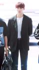 워너원(Wanna One) 황민현, '귀공자스러운 황제와 아이컨택'