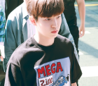워너원(Wanna One) 김재환, '이렇게 순수한 째염소는 크게크게 봐야지'