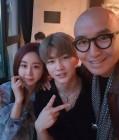 """홍석천, 함소원♥진화 부부와 다정한 모습 """"두 사람 너무 축하하고 행복해라"""""""