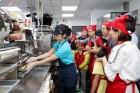 맥도날드, '주방 공개의 날' 통해 철저한 위생관리 시스템 공개
