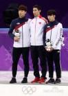 [뉴투포토] 황대헌-임효준, 남자 500m 첫 동반 메달에도.. '힝'