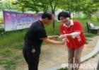 조은희 서초구청장 후보 남편·아들, 유세지원군 '활약'